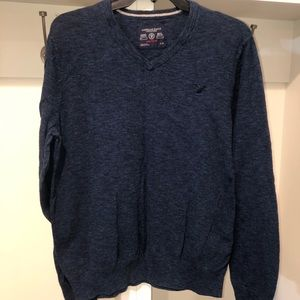 American Eagle men's athletic fit blue sweater